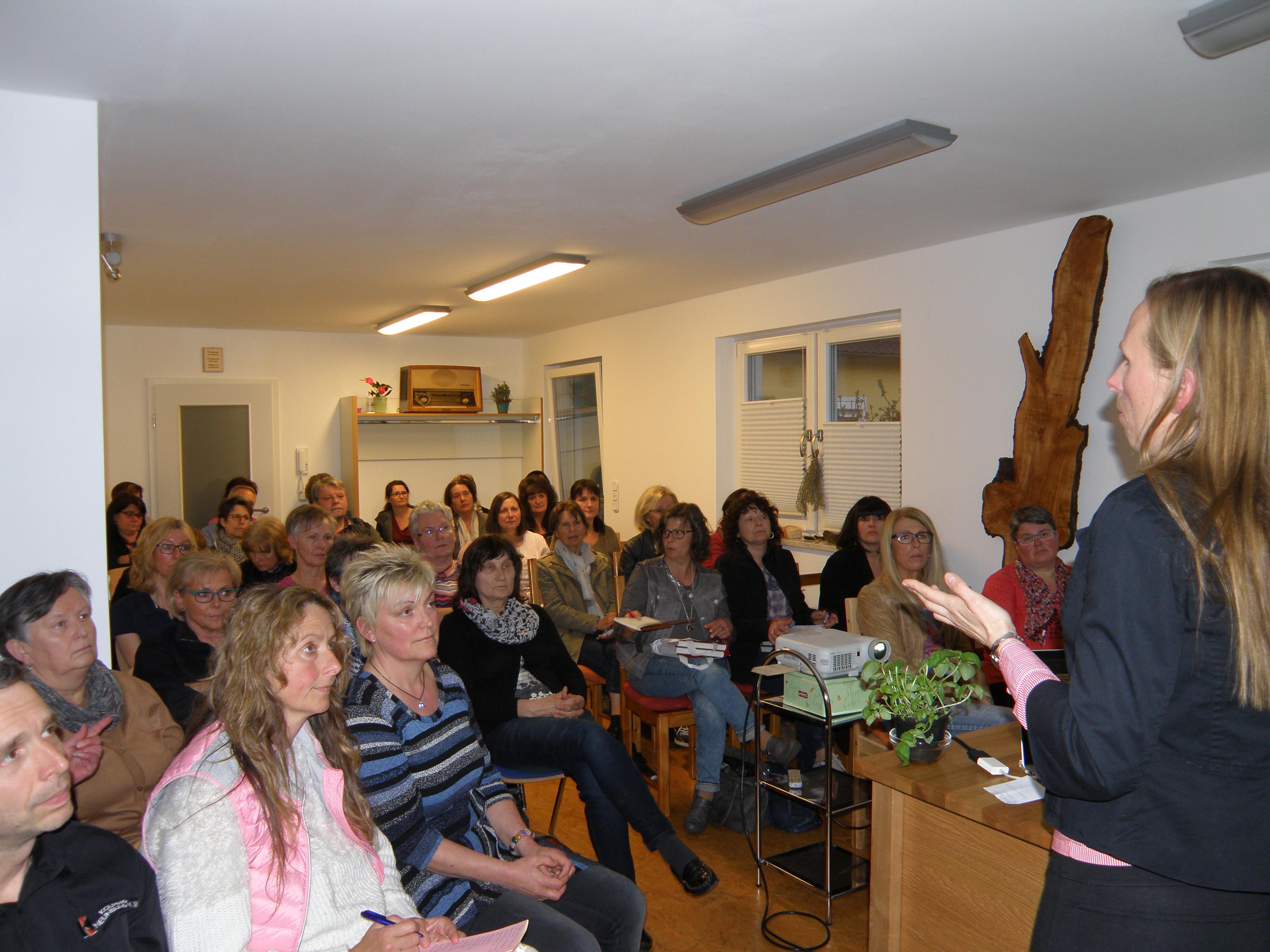 """Der Vortrag """"Die Heilkraft der Gewürze"""" mit Sabina Topolovec in Schwarzenfeld"""